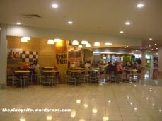 naia 3 - food court yellow cab