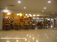 naia 3 - food court yellow cab