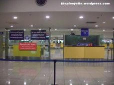 naia 3 - boarding fee desk