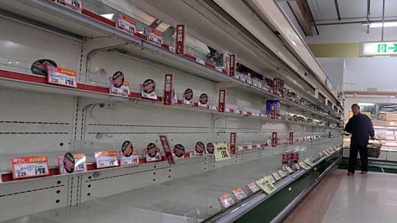 japanese supermarket after earthquake