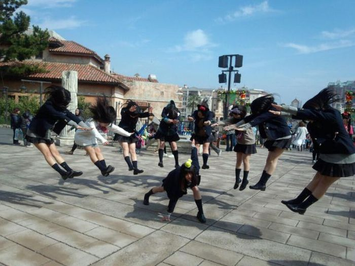 japan schoolgirls hadoken