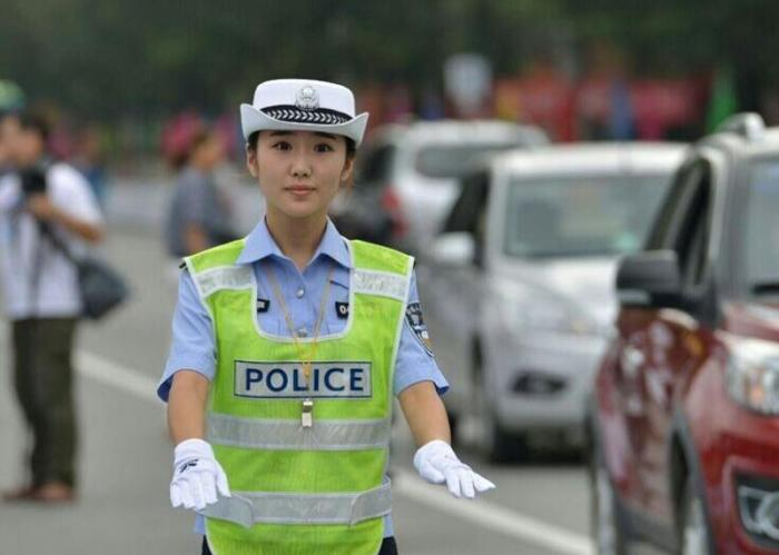 pretty chinese police woman