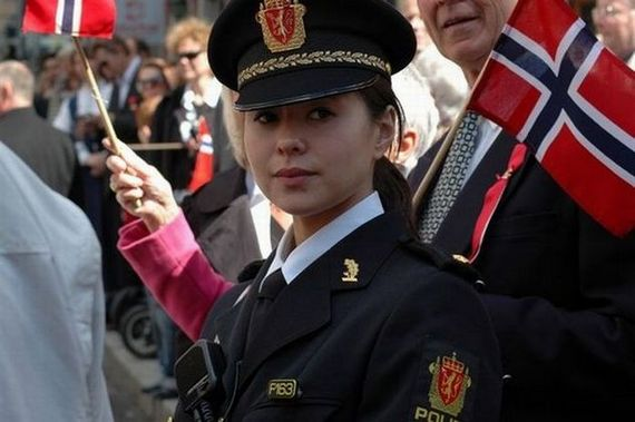 pretty police woman norway
